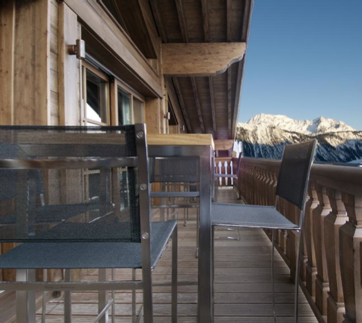 photo of a terrace and views of a mountain in Courchevel