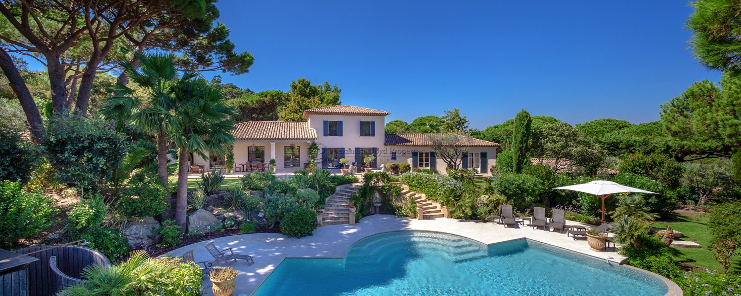 Fantastic property with sea views over the bay of Pampelonne