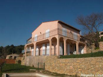 Villa for rent in Cannes - Super Cannes with 5 bedrooms, in  sqm of living area.