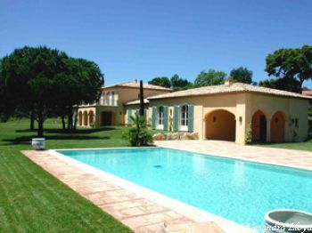 Villa for rent in St Tropez with 6 bedrooms, in 600 sqm of living area.