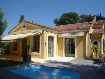 Villa for rent in Cap d'Antibes with 4 bedrooms, in  sqm of living area.