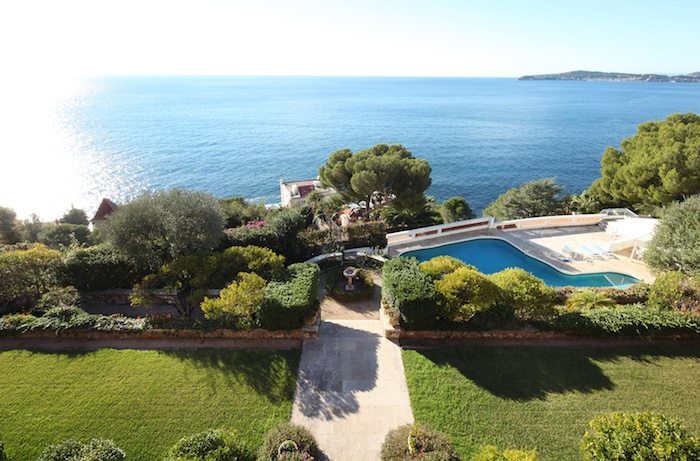 Villa for rent in Cap d'Ail with 7 bedrooms, in  sqm of living area.