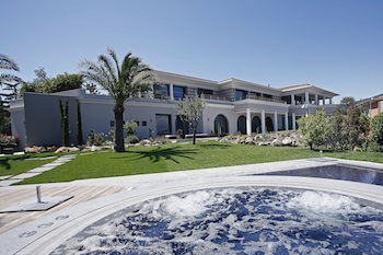 Villa for rent in Cap Ferrat - Villefranche with 8 bedrooms, in 2000 sqm of living area.