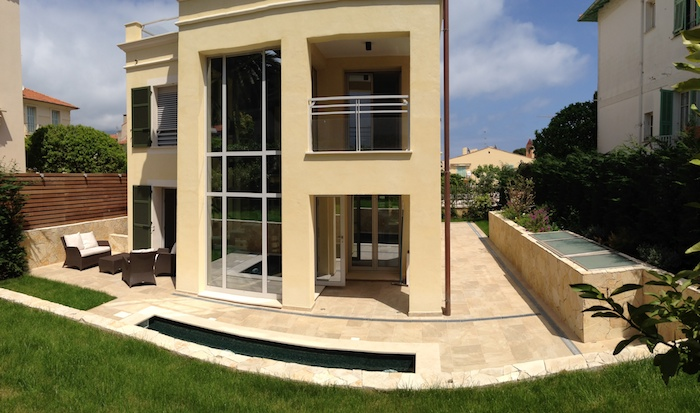 Villa for rent in Cap Ferrat - Villefranche with 4 bedrooms, in 240 sqm of living area.