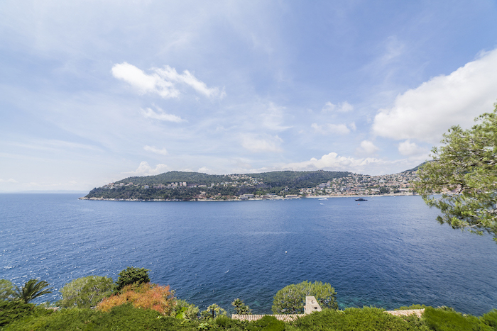 Villa for rent in Cap Ferrat - Villefranche with 6 bedrooms, in 550 sqm of living area.