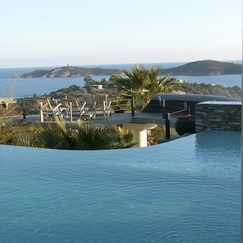 Villa for rent in CORSICA with 6 bedrooms, in 420 sqm of living area.