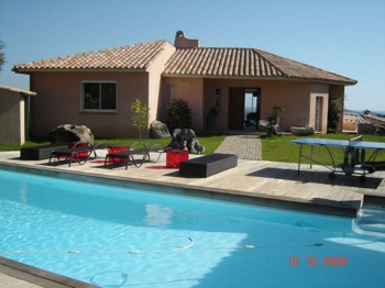 Villa for rent in CORSICA with 5 bedrooms, in 320 sqm of living area.