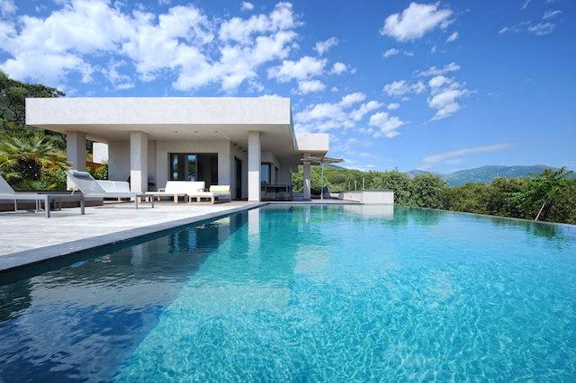 en plein c ur du golfe de valinco profitez du cadre de r ve d une villa luxueuse et. Black Bedroom Furniture Sets. Home Design Ideas