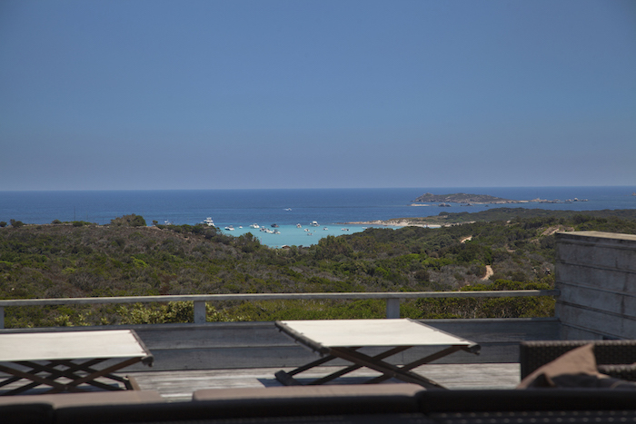 Villa for rent in CORSICA with 4 bedrooms, in 260 sqm of living area.