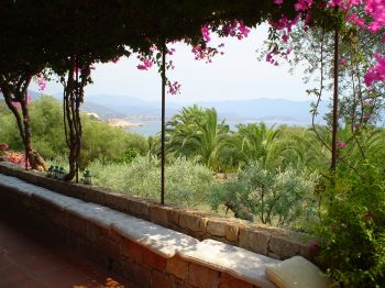 Villa for rent in CORSICA with 6 bedrooms, in  sqm of living area.