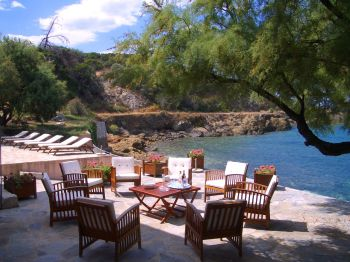 Villa for rent in CORSICA with 8 bedrooms, in 180 sqm of living area.