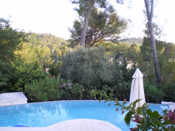 Villa for rent in Cannes - Super Cannes with 4 bedrooms, in 180 sqm of living area.
