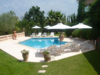 Villa for rent in Cannes - Super Cannes with 4 bedrooms, in  sqm of living area.