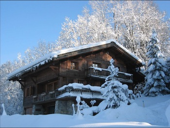 Chalet for rent in Megeve with 5 bedrooms, in 300 sqm of living area.