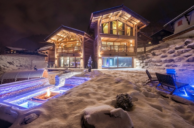 Chalet for rent in Morzine with 8 bedrooms, in 855 sqm of living area.