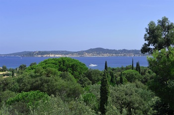 Villa for rent in St Tropez with 5 bedrooms, in 210 sqm of living area.