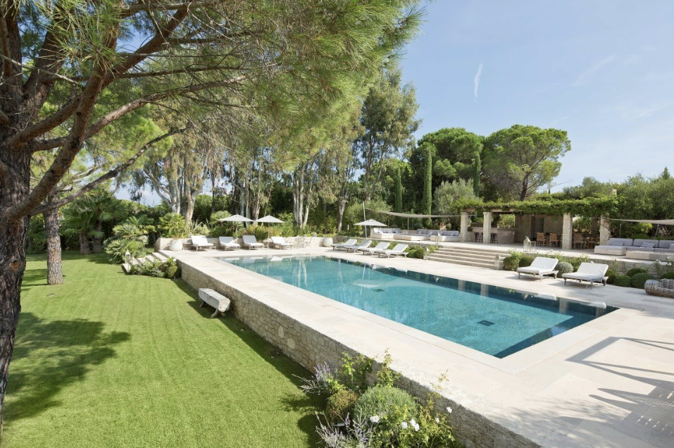 Villa for rent in St Tropez with 5 bedrooms, in 500 sqm of living area.