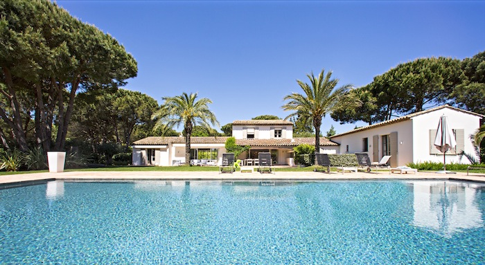Villa for rent in St Tropez with 6 bedrooms, in 380 sqm of living area.