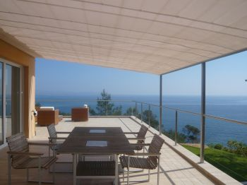 Villa for rent in St Tropez with 4 bedrooms, in 300 sqm of living area.