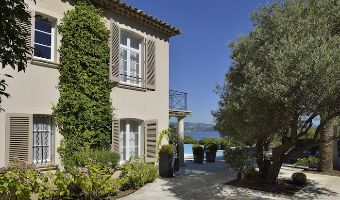 Villa for rent in St Tropez with 5 bedrooms, in 450 sqm of living area.