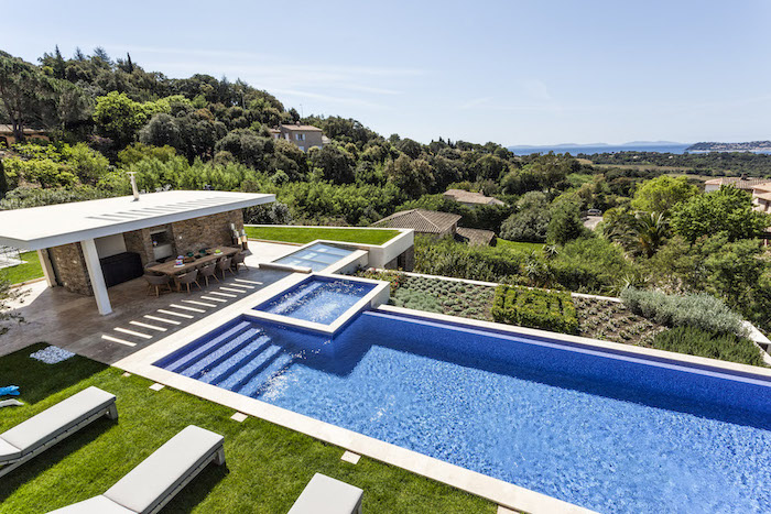 Villa for rent in St Tropez with 10 bedrooms, in  sqm of living area.