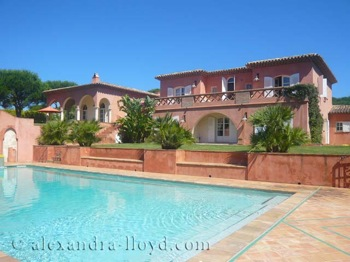 Villa for rent in St Tropez with 7 bedrooms, in 500 sqm of living area.