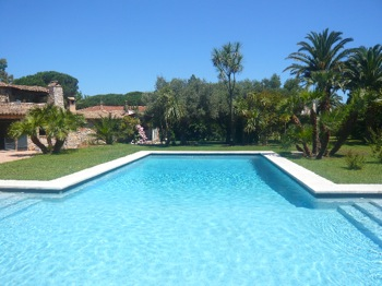 Villa for rent in St Tropez with 5 bedrooms, in 600 sqm of living area.