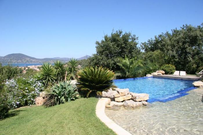 Villa for rent in St Tropez with 5 bedrooms, in 320 sqm of living area.