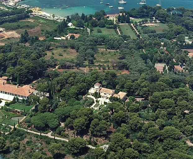 Le Chateau de la Garoupe arial views