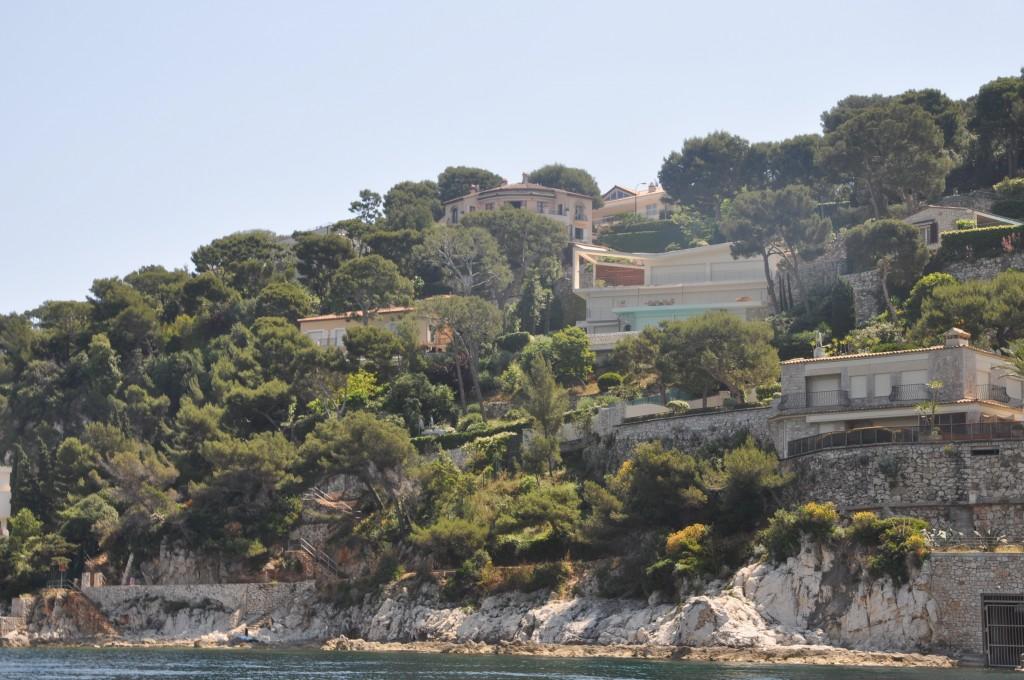 Villas taken from sea- for rent Passable